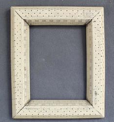 850.65: Varia – Frames