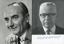 204530: Cartes postales, autographes, homme politique