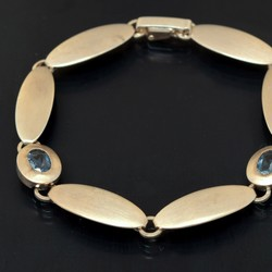 550.20: Jewelry, armrings and bracelets