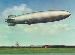 7690: Sammlungen und Posten Zeppelin und Luftpost - Postkarten