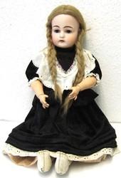 700.10: Dolls